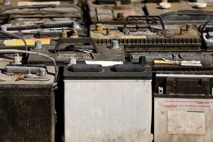 Baterias para reciclar y en NIMA, anotado en el Software para taller mecánico