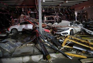 Imagen de un taller de mecánica destrozado